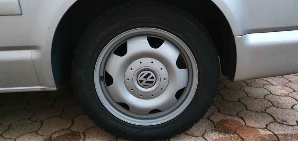 Vendues jante tôle plus pneus Nokian 17 pouces 20201212