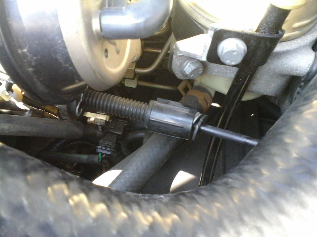Changement d'un câble d'accélérateur Safrane 2.2dt 2_czeb10