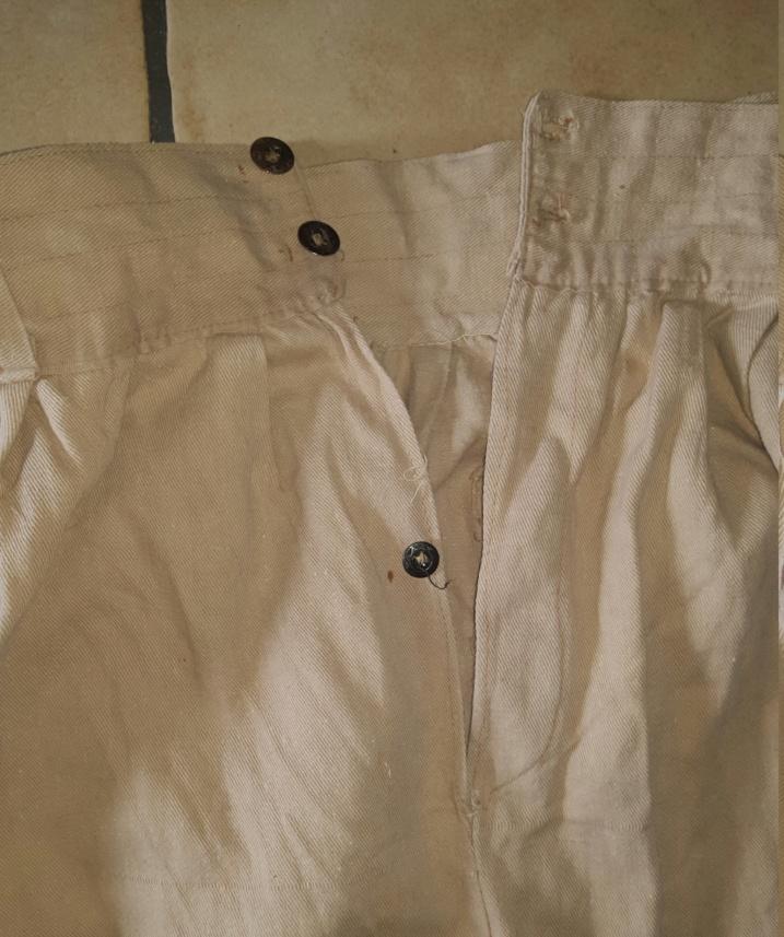 Uniforme,  sarouel,  veste pantalon.  20190716