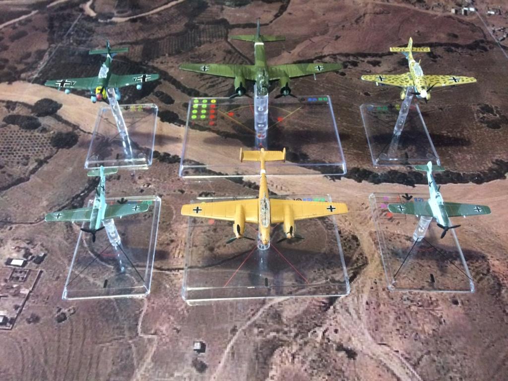 Vos collections de figurines d'avion en photo Img_2610