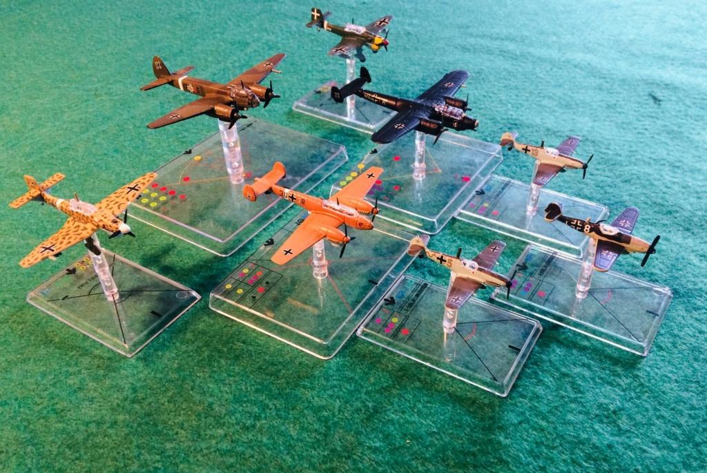 Vos collections de figurines d'avion en photo Img_2612