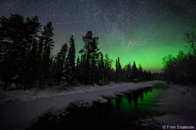 Beauté de la nature et de l'espace Finn-s10