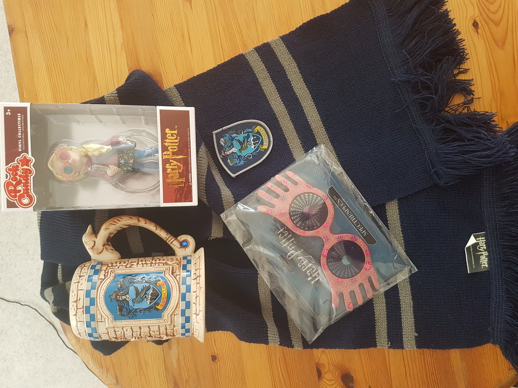 HP-Merchandise - Seite 4 Ravenc10
