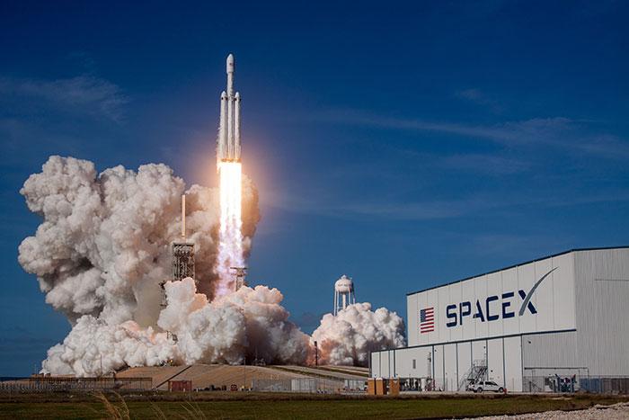 Le lancement de la nouvelle fournée de satellites STARLINK  Spacex10