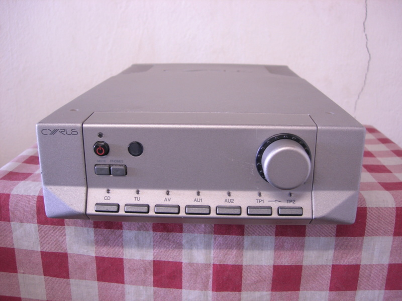 Cyrus 7 integrated amplifier(sold) Dscn3310