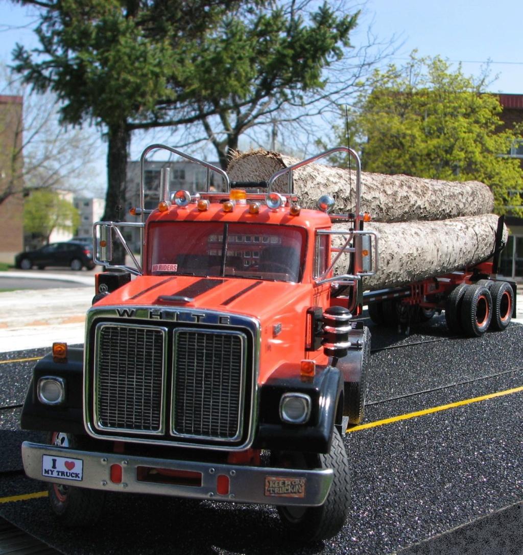 AMT White Road Boss Camion Transporteur de bois! (Cousin du Québec,Ville de Laval) Photo_40