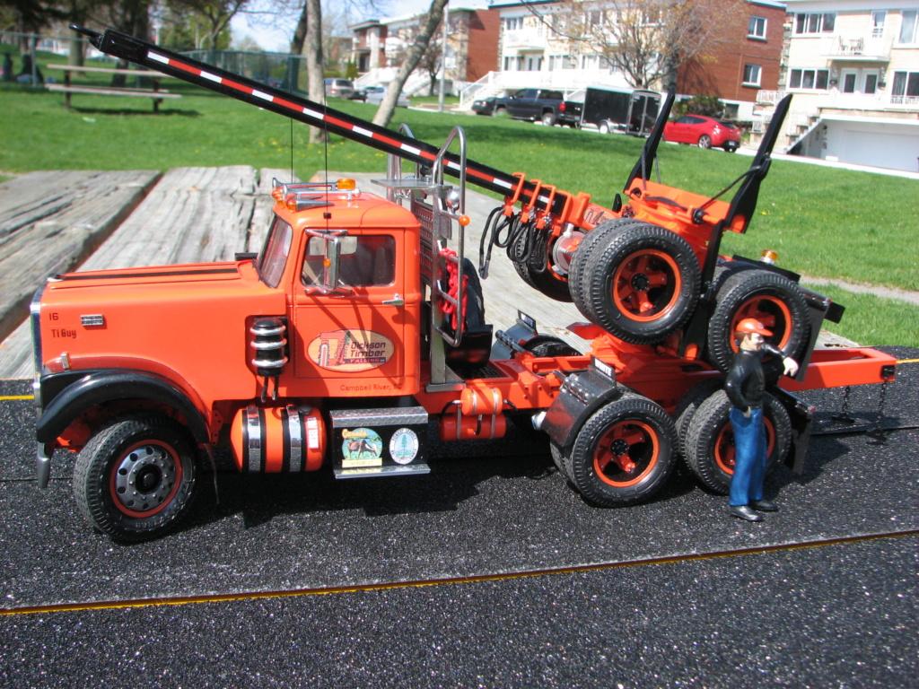 AMT White Road Boss Camion Transporteur de bois! (Cousin du Québec,Ville de Laval) Photo_44