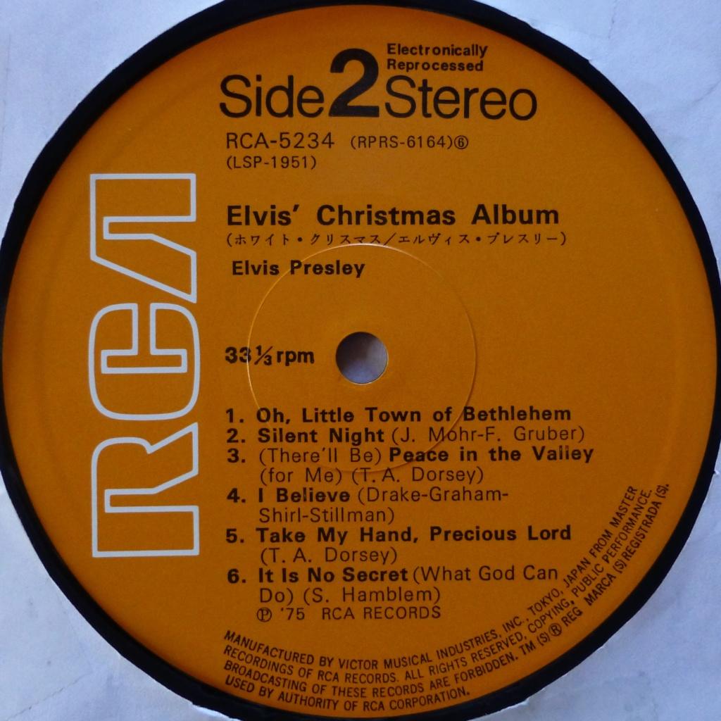 ELVIS' CHRISTMAS ALBUM P1080316