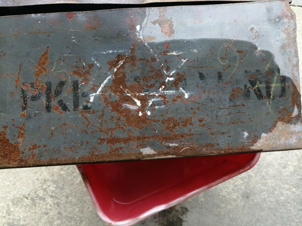 Marquage caisse mg a la peinture a identifier 13198610