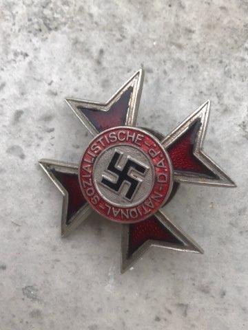 Badge partie fantaisiste ?  Img_1198