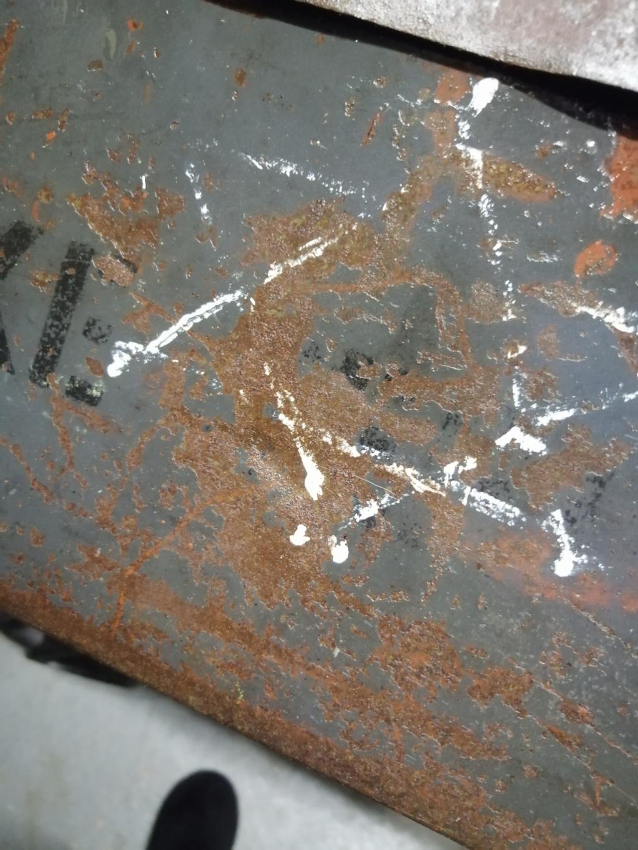 Marquage caisse mg a la peinture a identifier Img_1676
