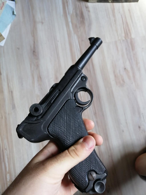 Luger P08 changez les plaquette et rebronzage  Img_2536