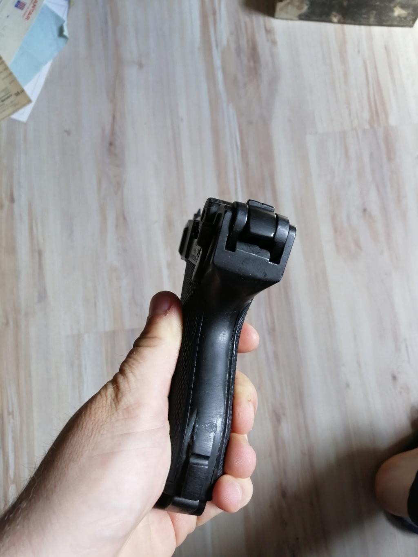 Luger P08 changez les plaquette et rebronzage  Img_2537