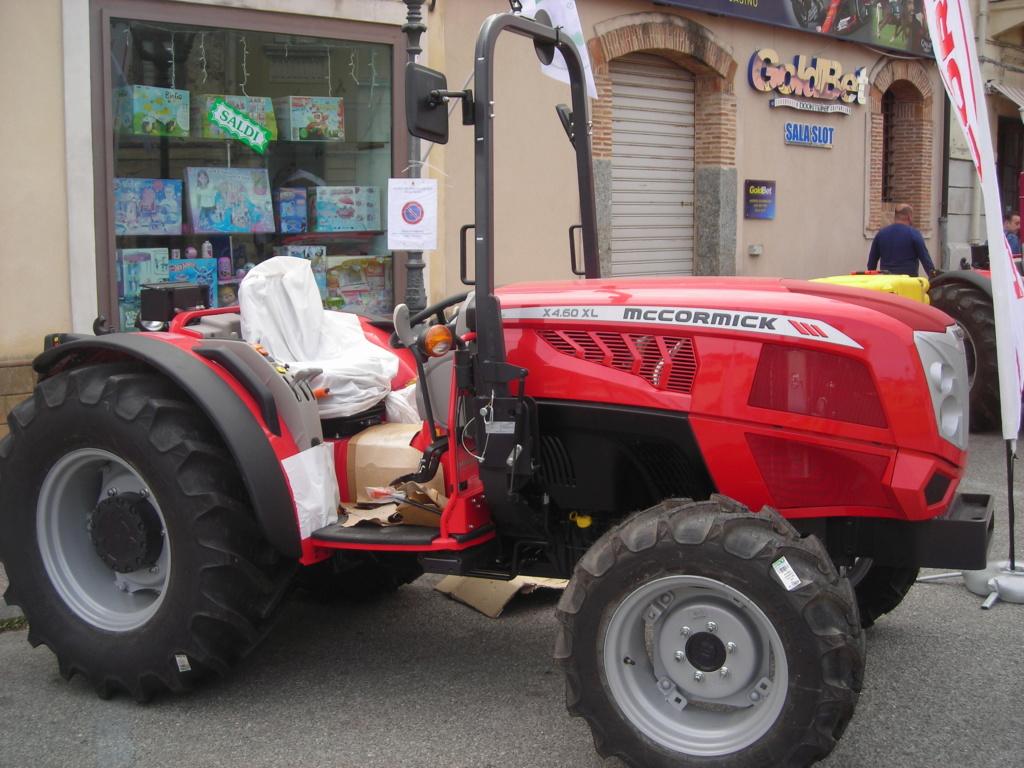 trattori e trattori agricoli stradali gommati cingolati  Dscn1057