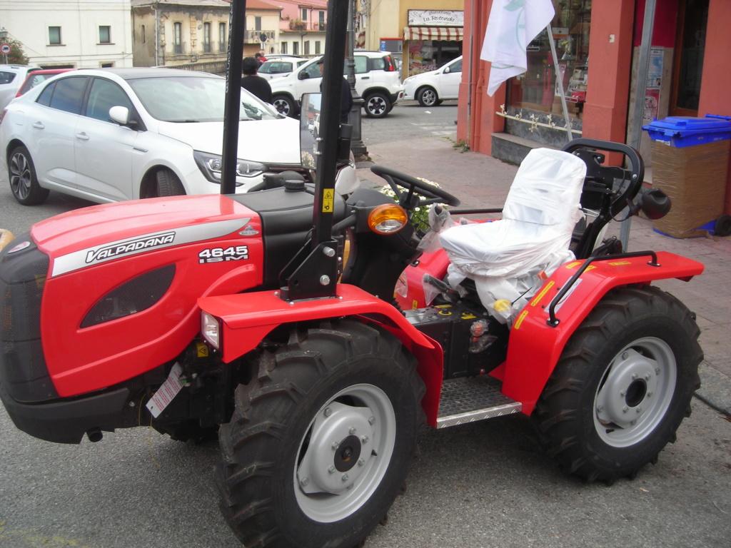 trattori e trattori agricoli stradali gommati cingolati  Dscn1058