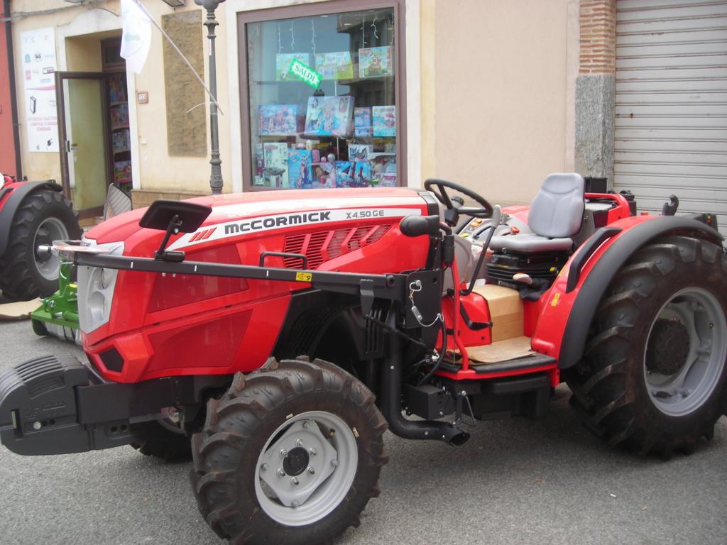 trattori e trattori agricoli stradali gommati cingolati  Dscn1059