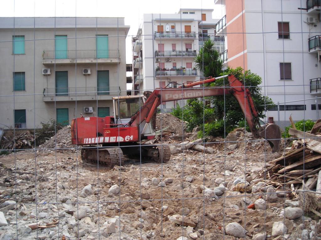 escavatori - Pagina 2 Dscn4171