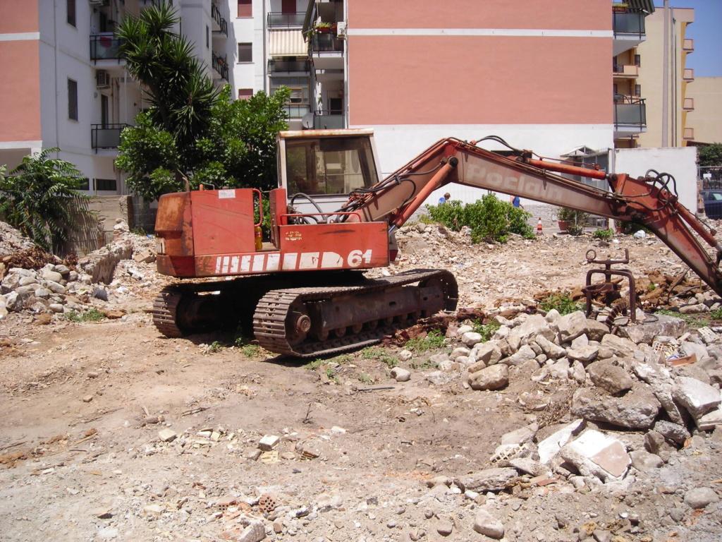 escavatori - Pagina 2 Dscn4427
