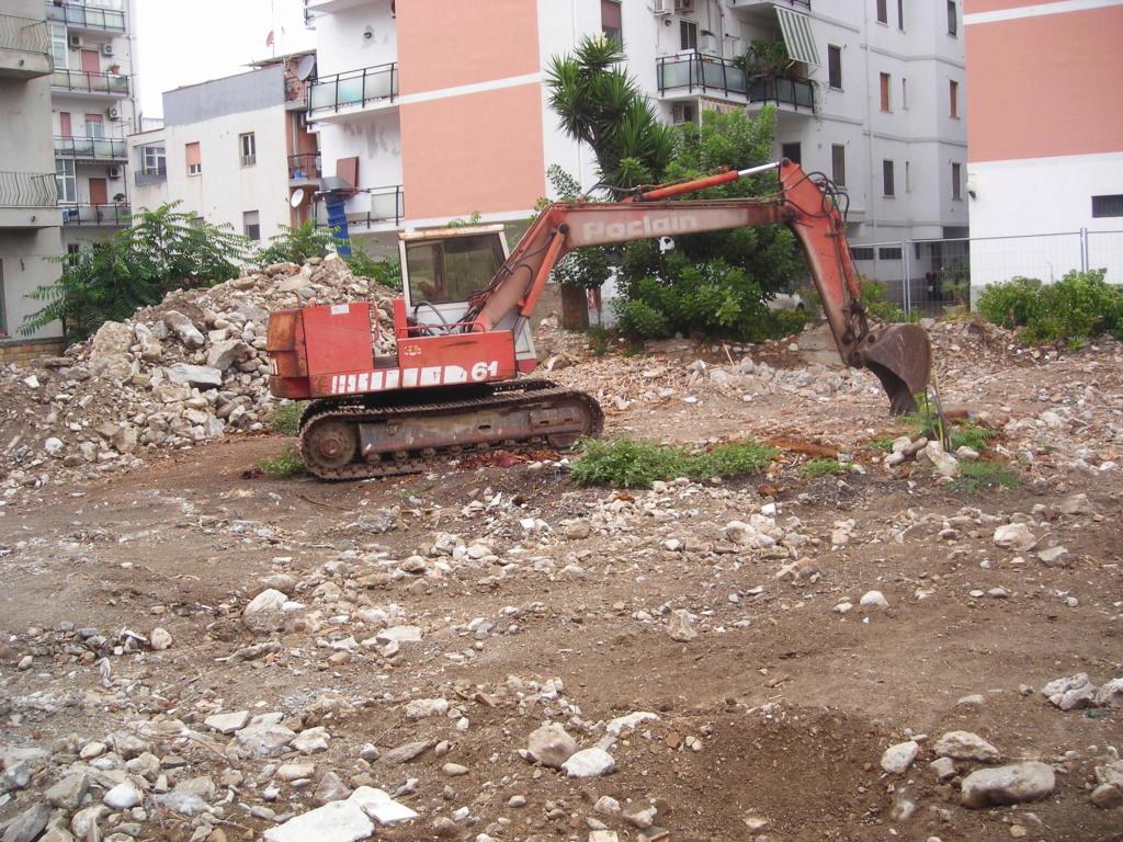 escavatori - Pagina 2 Dscn4512