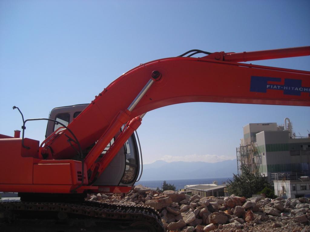 escavatori - Pagina 2 Dscn4633