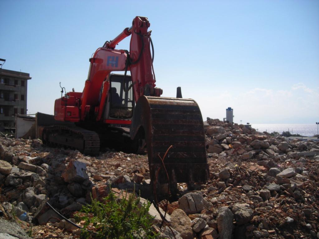 escavatori - Pagina 2 Dscn4634
