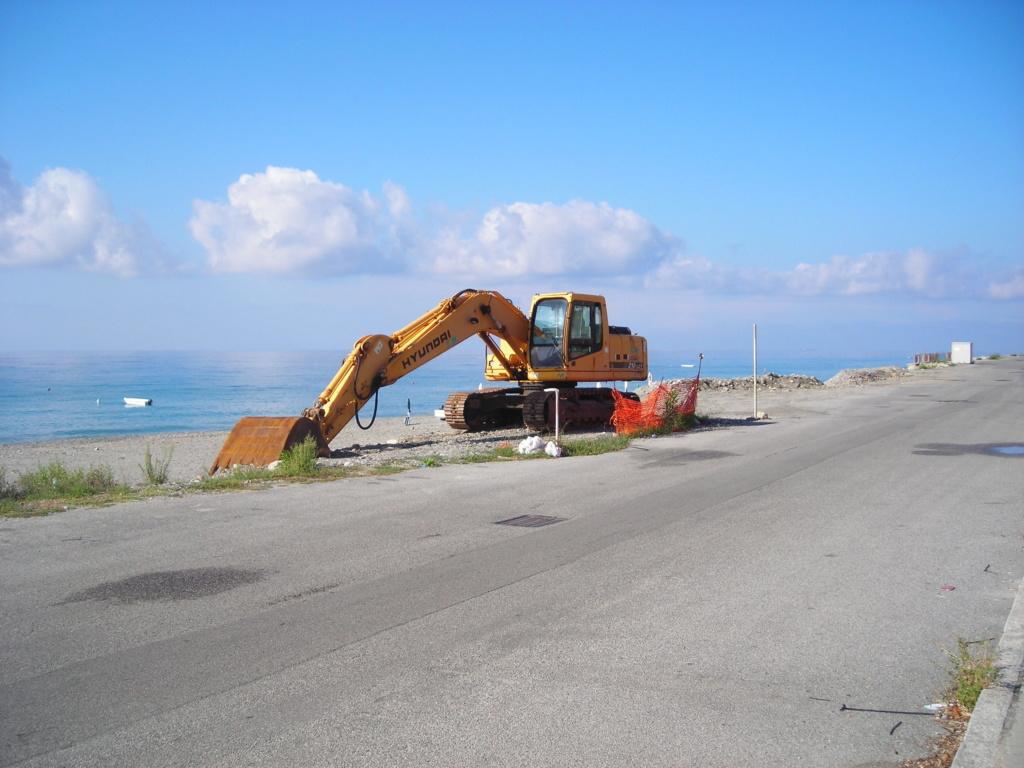 escavatore Hyundai serie HX Dscn4718