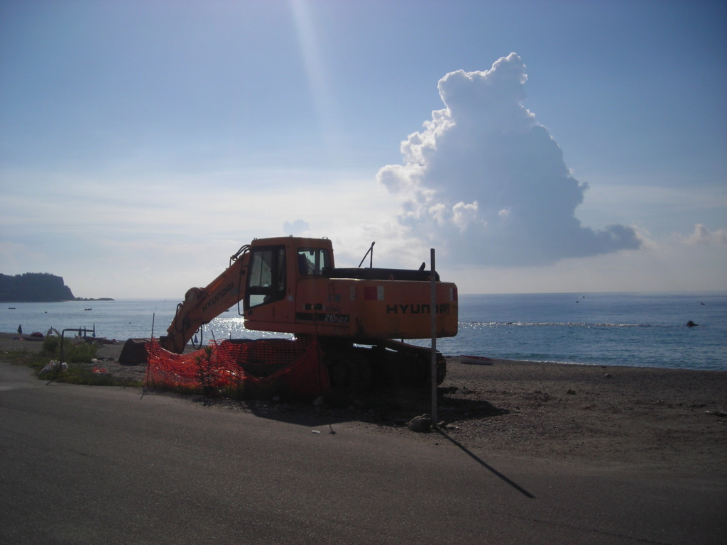 escavatore Hyundai serie HX Dscn4721
