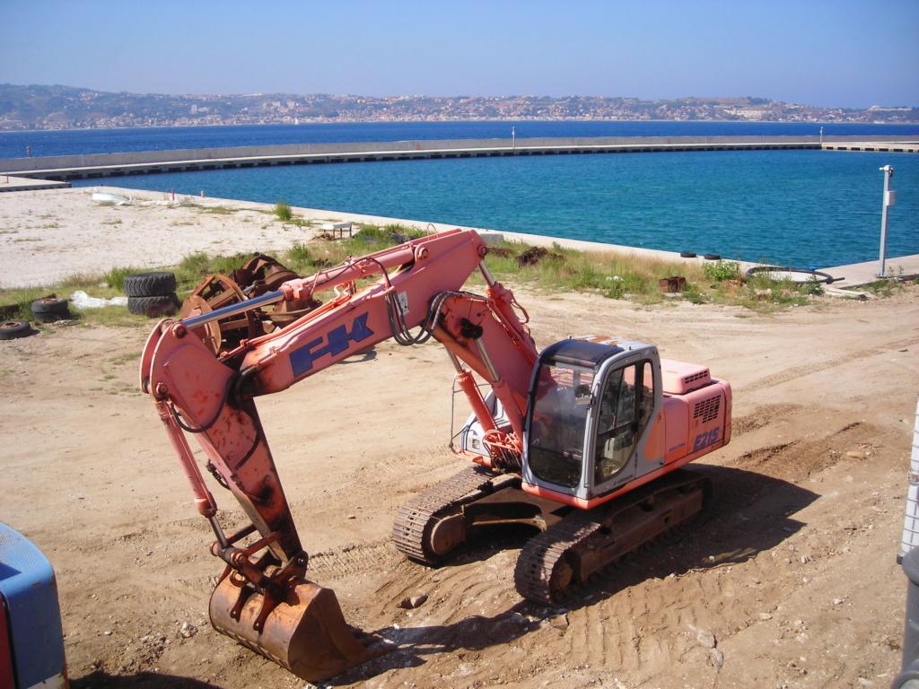 escavatori - Pagina 2 Dscn4733
