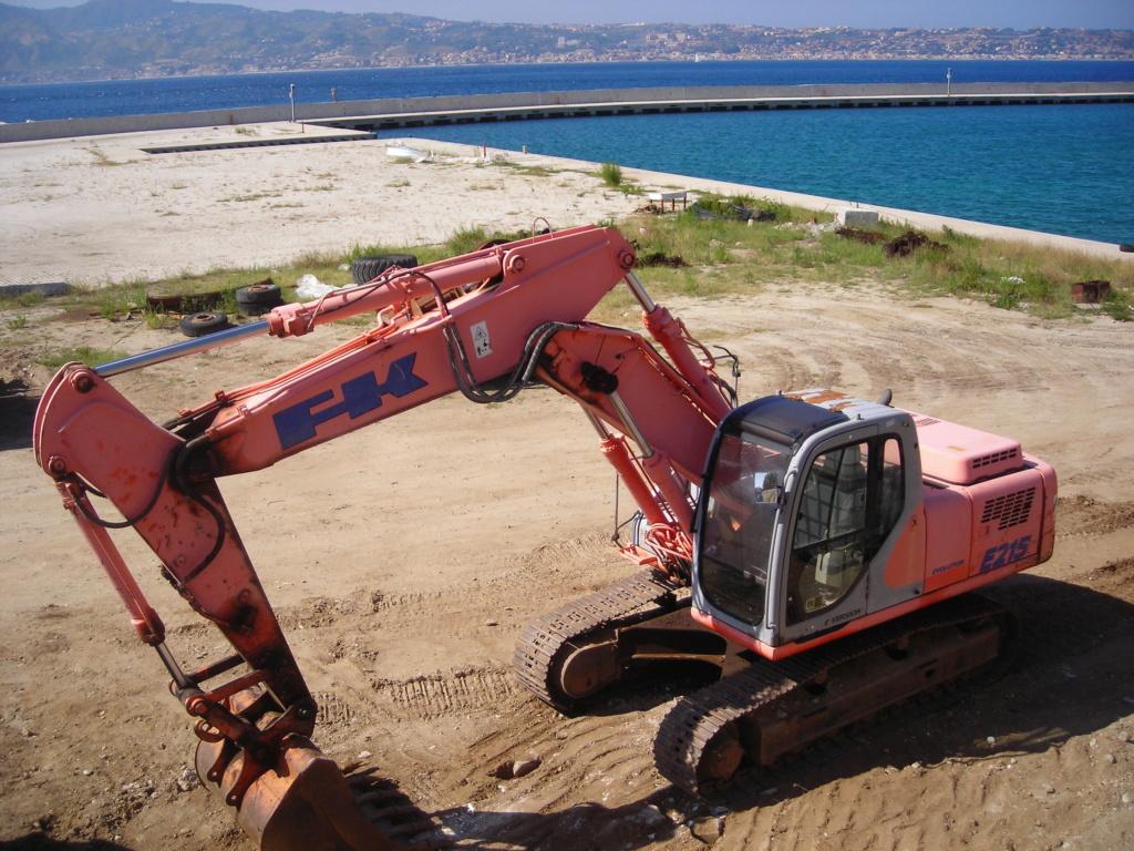 escavatori - Pagina 2 Dscn4734