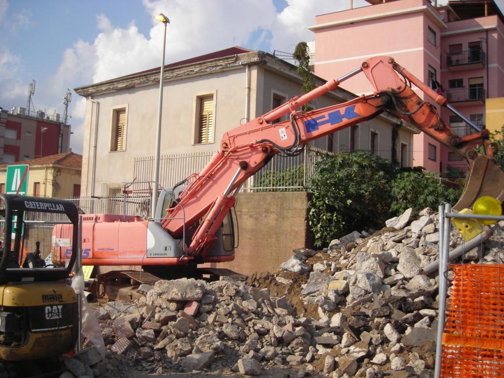escavatori - Pagina 3 Dscn4826