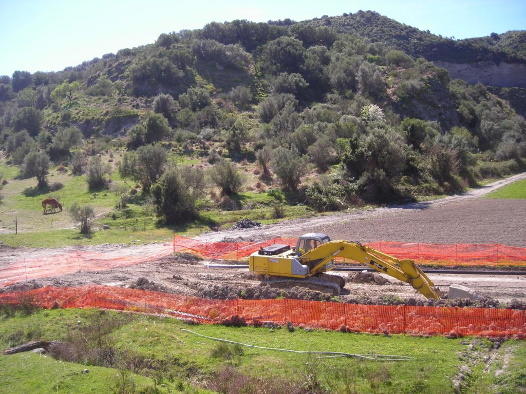 escavatori - Pagina 3 Dscn4971