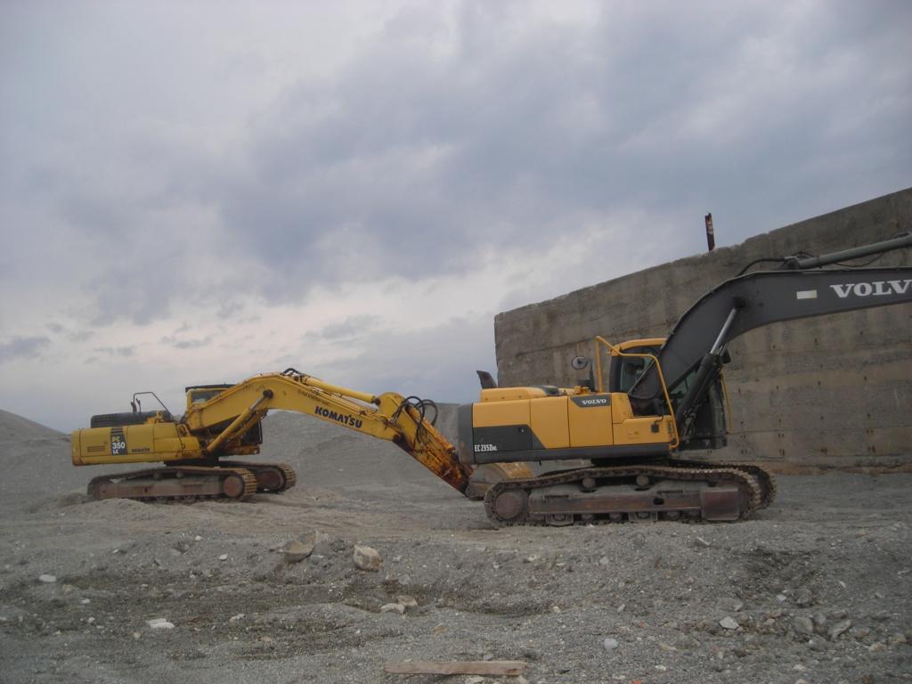 escavatore volvo Ec 235 D Dscn4996