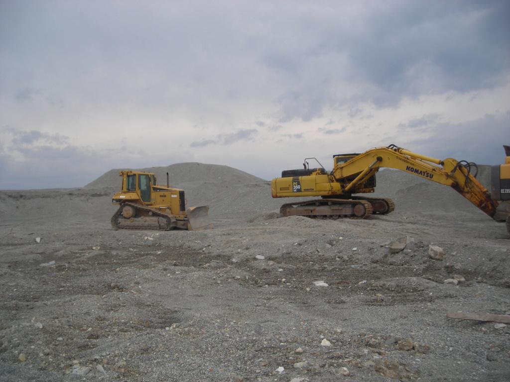 escavatore volvo Ec 235 D Dscn4997