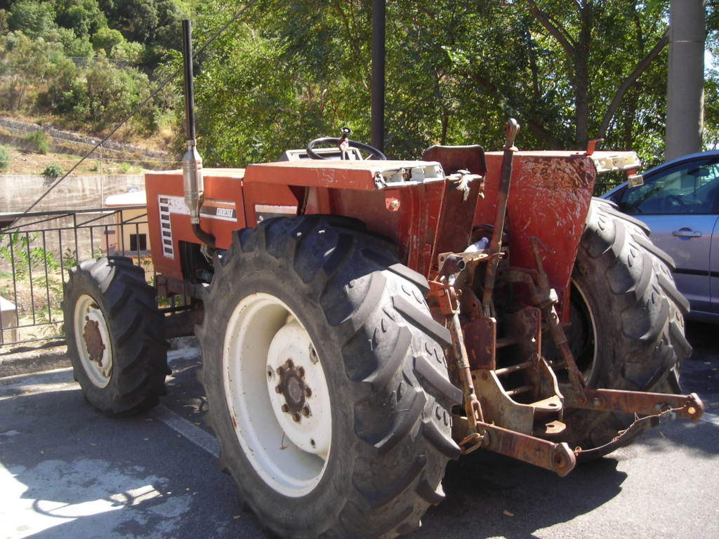 trattori e trattori agricoli stradali gommati cingolati  Dscn5166