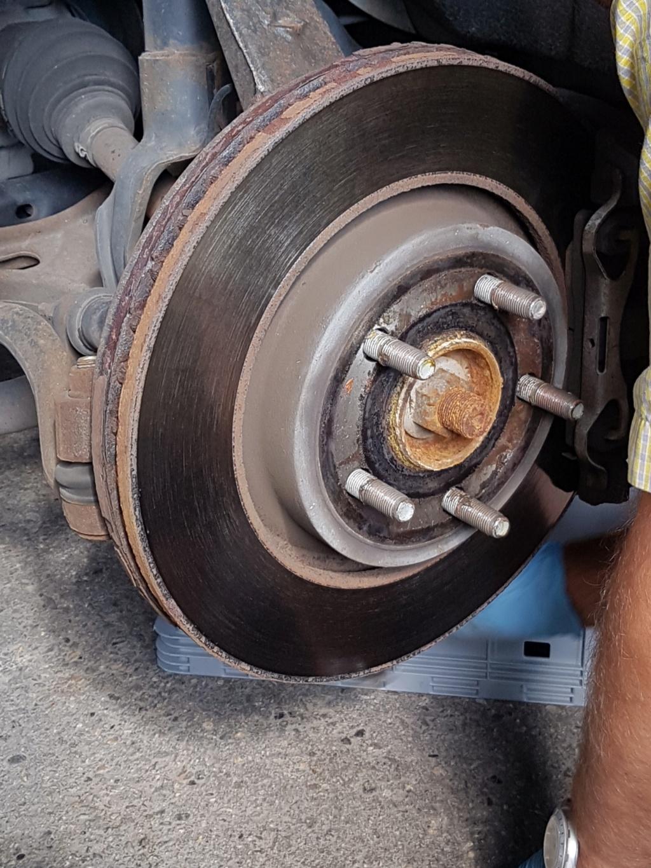Disque de freins avant changés sur Durango RT 2012 20180710
