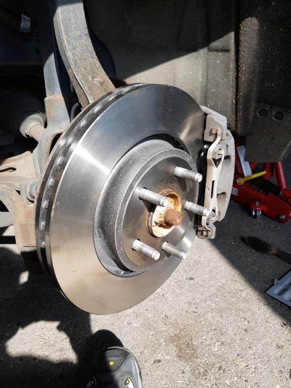 Disque de freins avant changés sur Durango RT 2012 20180711