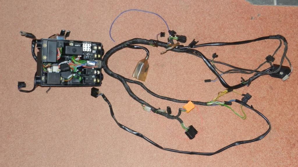K75s ABS removal Dscn2810