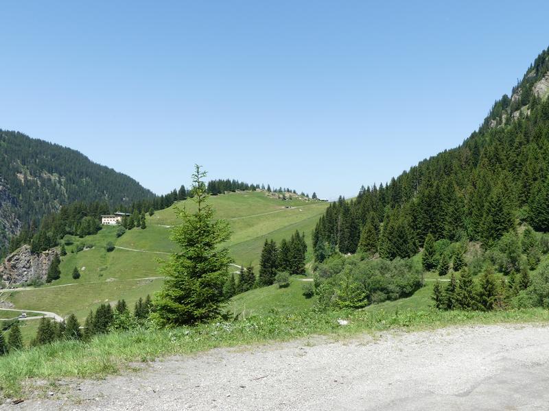 Vérification inscription  TT et route dans les Alpes fin juin 2019  T-shirt - Page 15 P1060110