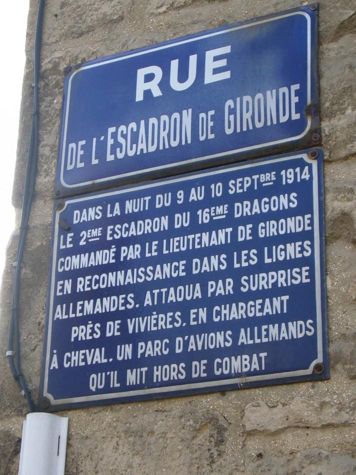 L'héroïque exploit des dragons de Gironde * dans la nuit du  10 septembre 1914  (* Gironde est le nom du lieutenant Gironde) Stzole10