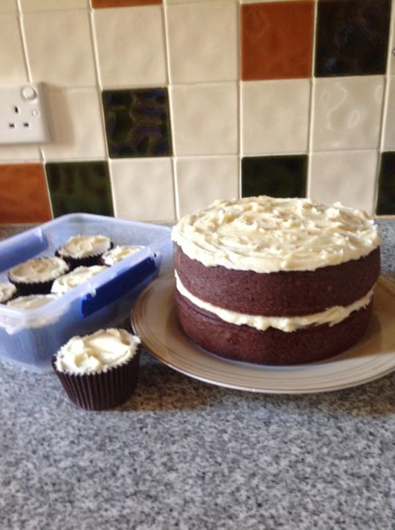 Red cake Img_0319