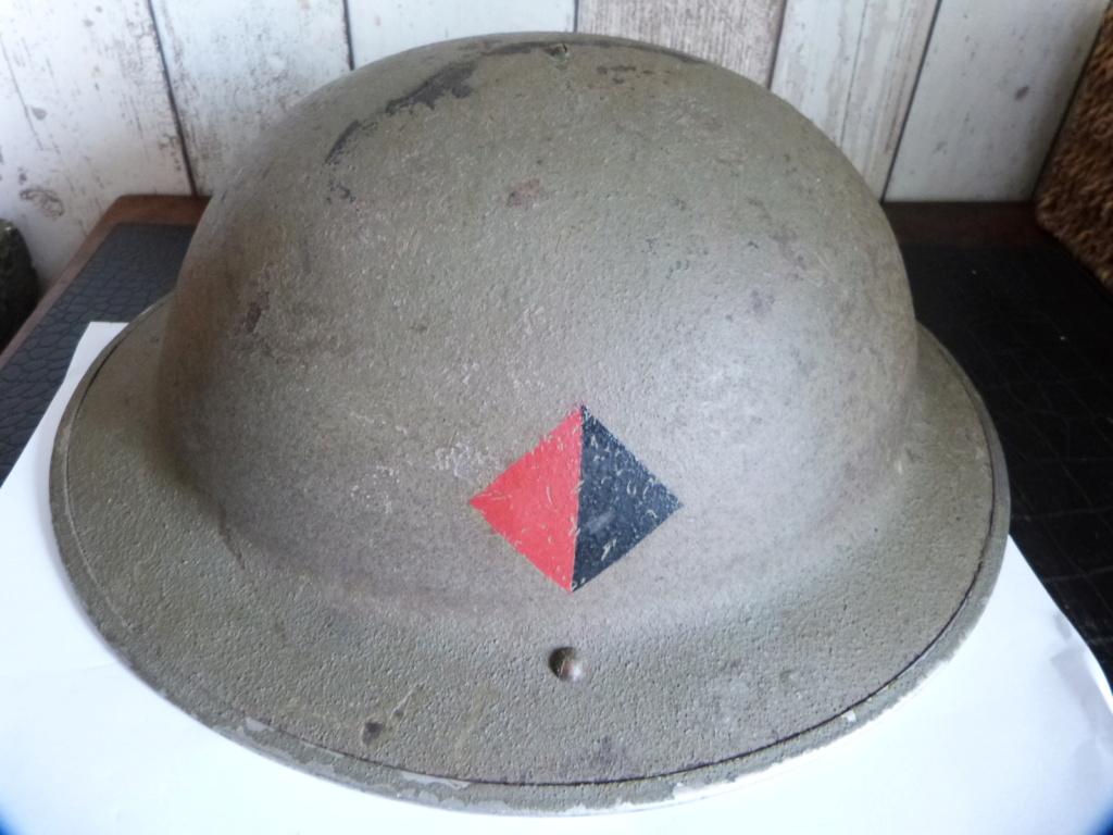 casque anglais insigne a identifier P1360810