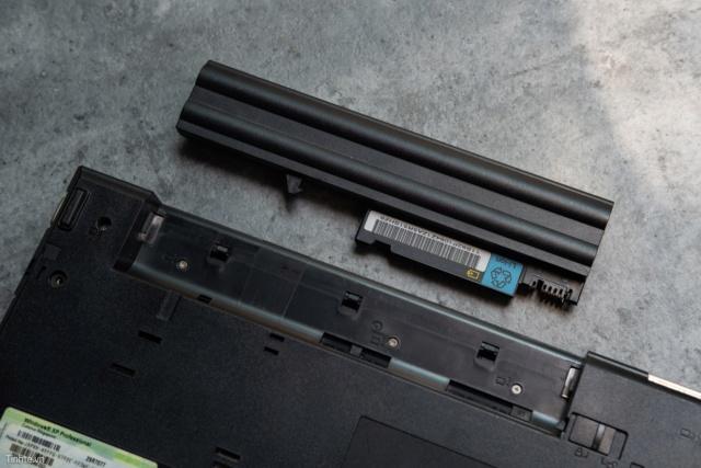 Những thứ xưa là tiêu chuẩn nhưng giờ đã biến mất trên laptop 50735913