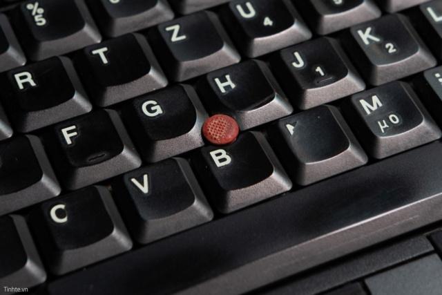 Những thứ xưa là tiêu chuẩn nhưng giờ đã biến mất trên laptop 50736411