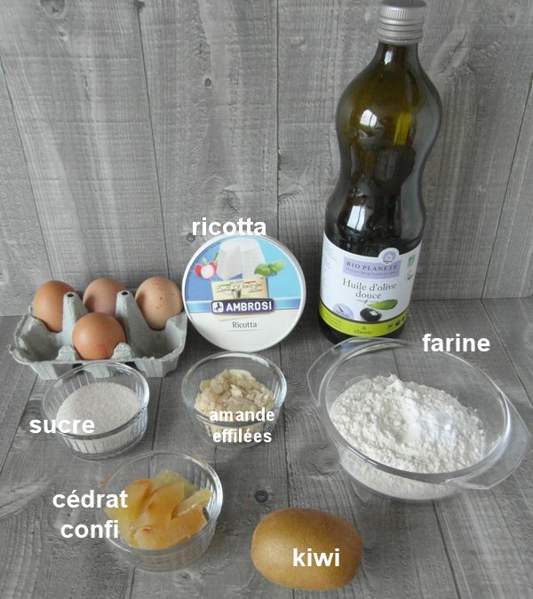 Moelleux au kiwi, cédrat confit et amandes effilees Sam_8140