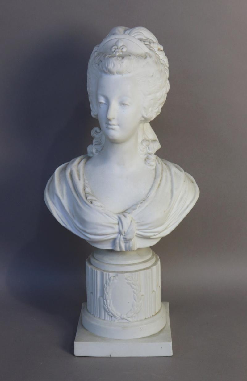 A vendre: bustes Marie Antoinette - Page 8 15384910