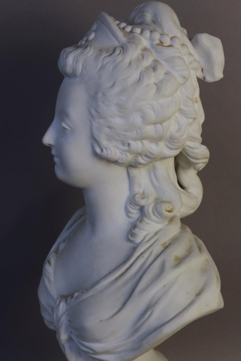 A vendre: bustes Marie Antoinette - Page 8 15384911