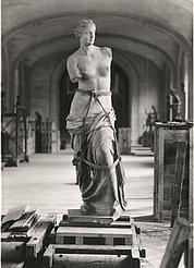 L'évacuation du Louvre Cef3c910