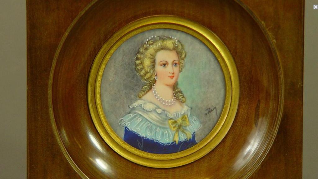 A vendre: miniatures de Marie Antoinette et de ses proches - Page 14 Sans_t12
