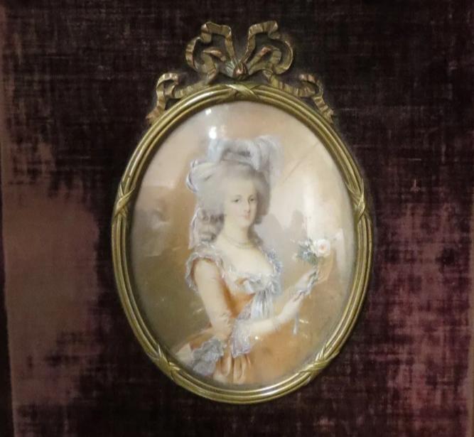 A vendre: miniatures de Marie Antoinette et de ses proches - Page 15 Zducre22