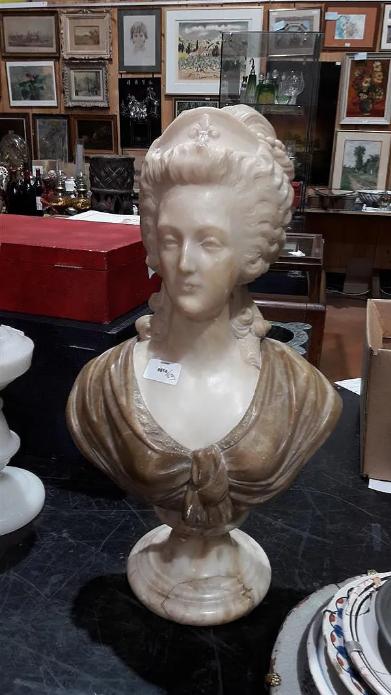 A vendre: bustes Marie Antoinette - Page 9 Zducre23
